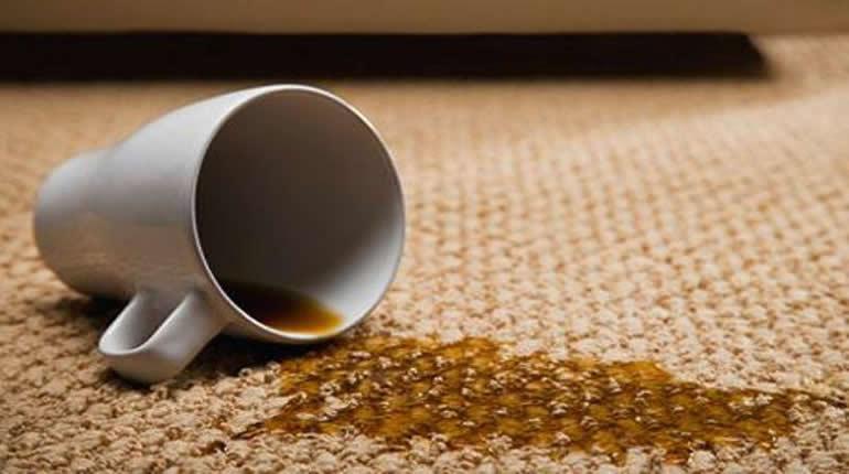 Şeker Katılmış Çayın Lekesi Nasıl Çıkartılır